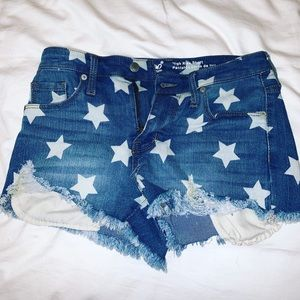 STAR DENIM SHORTS